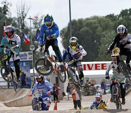 Un millier de pilotes au Challenge France de BMX