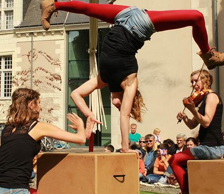 La Rue au Fil de l'Eau - Festival